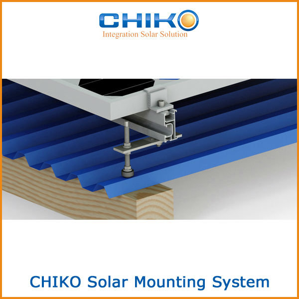 Wurth skrūves ar dalīto vītni saules paneļu konstrukciju montāžai